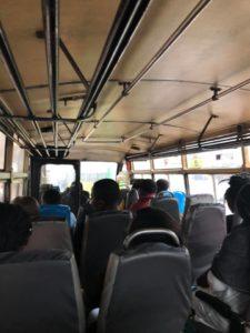 ケニアモンバサ在住で大学生の遥さんと合流してバスに乗ってみたりする件